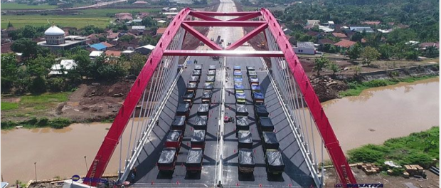 Jembatan Plengkung di Kalikutho ruas Tol Batang-Semarang