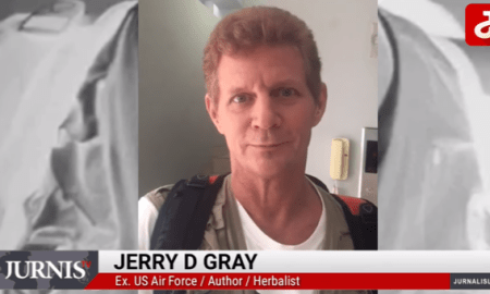 Jerry D Grey