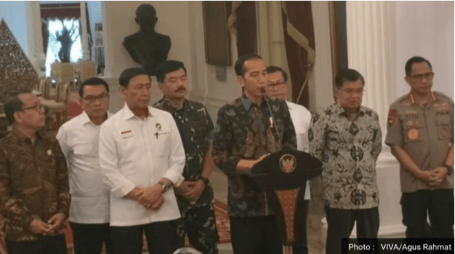 Jokowi bersama menteri