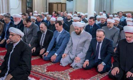 Presiden Suriah Bashar Assad shalat Idul Adha di Damaskus