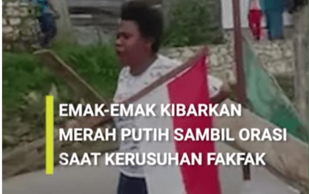 Viral Video Emak-emak Fakfak bawa bendera merah putih
