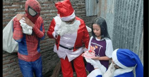Sepasang Sinterklas Muslim