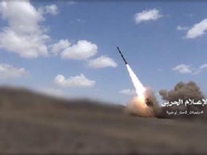 Rudal Zelzal-1 Yaman Hantam Pertemuan Tentara Bayaran Saudi di Asir