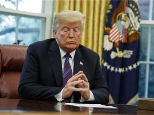 Trump Banjir Kecaman Karena Salahkan Iran atas Kebijakan Gagalnya