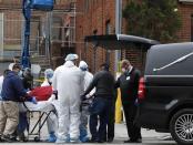 Pentagon Butuh 100.000 Kantong Mayat Saat Lonjakan Kematian Akibat Covid-19