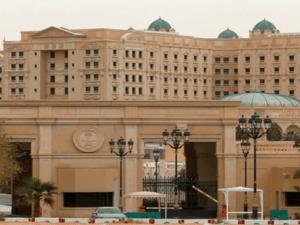 Aktivis Medsos Saudi: Kemana Raibnya Uang Miliaran Dolar Para Tahanan Hotel Ritz-Carlton?