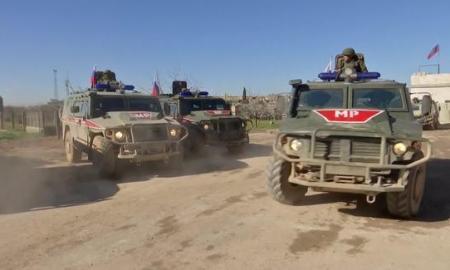 Video: Kendaraan Militer AS-Rusia Kembali Terlibat Saling Kejar di Qamishili