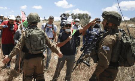 Israel Tingkatkan Penangkapan di Tepi Barat untuk Bungkam Pemrotes Aneksasi