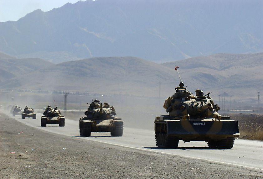 konvoi-besar-militer-turki