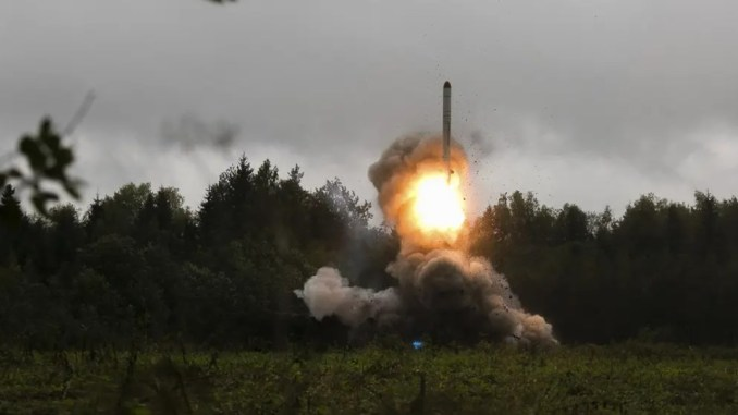 Militer Rusia Tembakkan Dua Rudal Balistik Iskander ke Posisi Teroris di Barat Laut Suriah