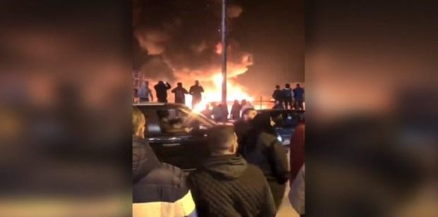 Video: Kamp Pengungsi Suriah di Lebanon DibakarVideo: Kamp Pengungsi Suriah di Lebanon Dibakar