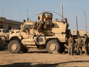 Serangan Bom Hajar Dua Konvoi Pasukan AS di Irak