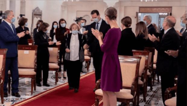 Assad Anugerahi Dirjen Komisi Sekolah Anak Para Pejuang Suriah