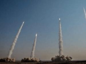 Latihan Militer IRGC Dimulai Peluncuran massal Rudal Balistik