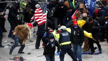 4 Tewas dan 52 Lainnya Ditangkap Selama Kerusuhan Capitol