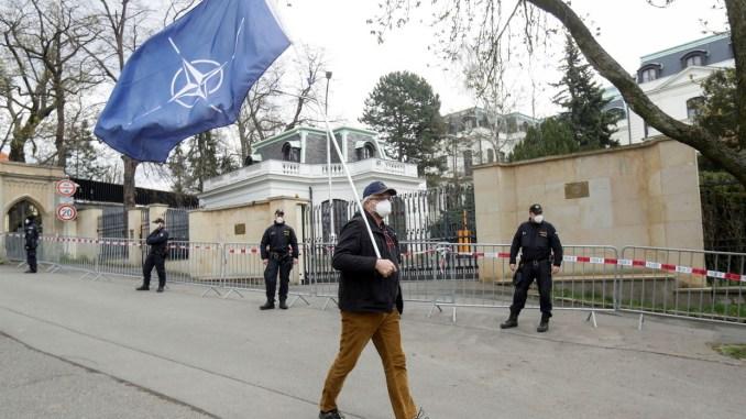 Memanas! Balas Praha, Rusia Usir 20 Staf Kedutaan Ceko