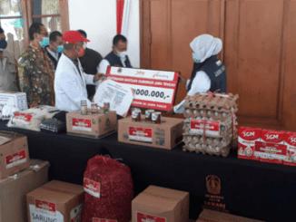 Gubernur Jateng Ganjar Pranowo Bantu Korban Gempa Jatim