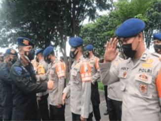 75 Personel Brimob Polda Jatim Diberangkatkan ke NTT dengan Membawa Fasilitas SAR