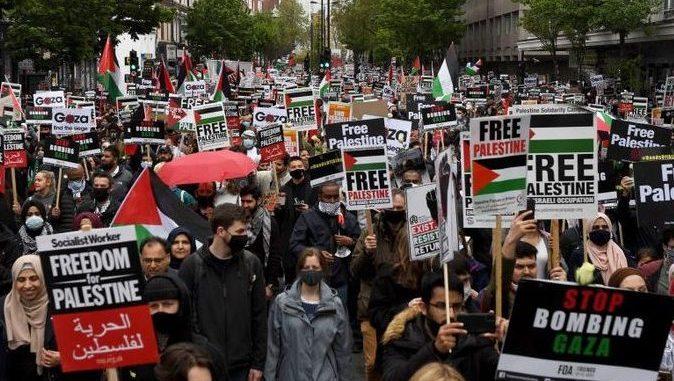 Lebih dari 100 Ribu Orang Demo Dukung Palestina di Depan Kedubes Israel di London