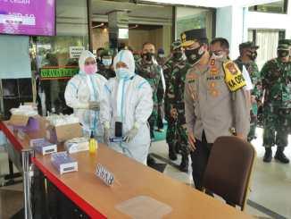 Forkopimda Jatim Saring Pekerja Migran Masuk Jatim di Bandara Juanda