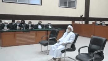 Hakim PN Jaktim Vonis Habib Rizeq Shihab 4 Tahun Penjara
