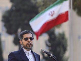 Tehran Peringatkan AS: Jangan Coba Ganggu Pengiriman Minyak Iran