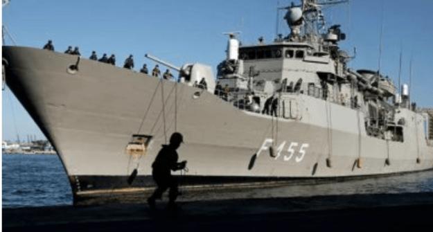 Kapal Perang AS Berlabuh di Pelabuhan Beirut