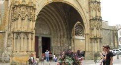 Fachada de la Catedral de Bayonne