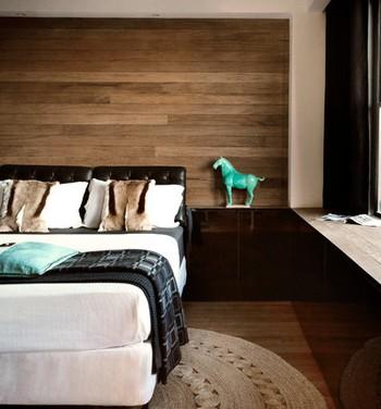 Idee per rivestire una parete in legno