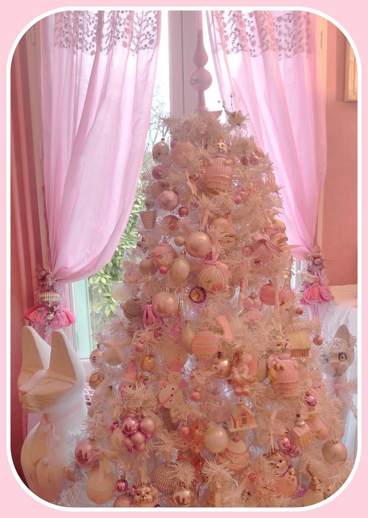 Albero di Natale shabby chic rosa bianco ed argento