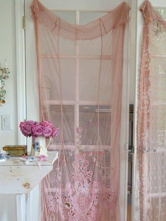 Le Camere Da Letto Da Sogno : Pizzo e tulle idee romantiche per una casa shabby foto