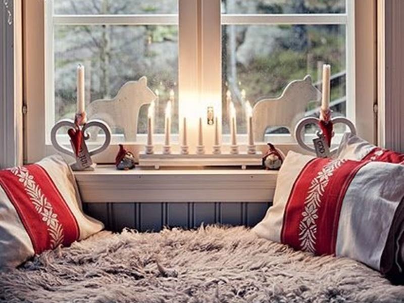 Angolo di finestra addobbata per natale in scandinavia for Interni case americane