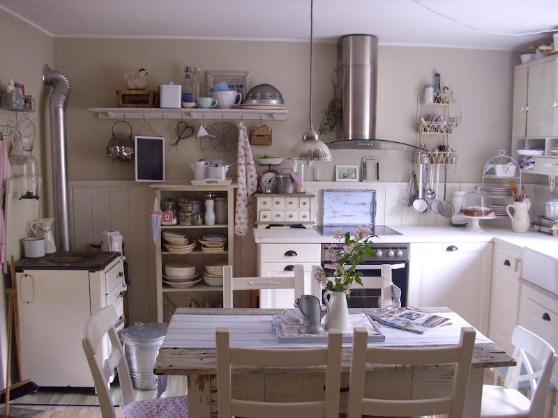 Casa shabby chic arredata con mobili ikea foto degli interni - Cucina shabby chic provenzale ...