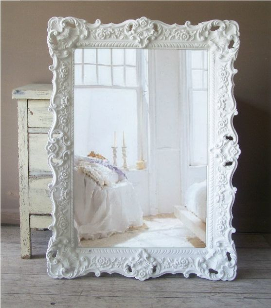 Come decorare gli specchi dell'IKEA in stile shabby chic (video)