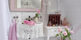 Bagno sogno shabby: bianco e rosa