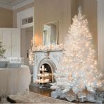 albero di natale bianco con luci