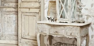 Mobili bianchi e legno: consolle
