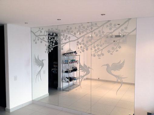 Dividi gli spazi di casa con pareti divisorie in vetro for Costruito nella cabina della cucina