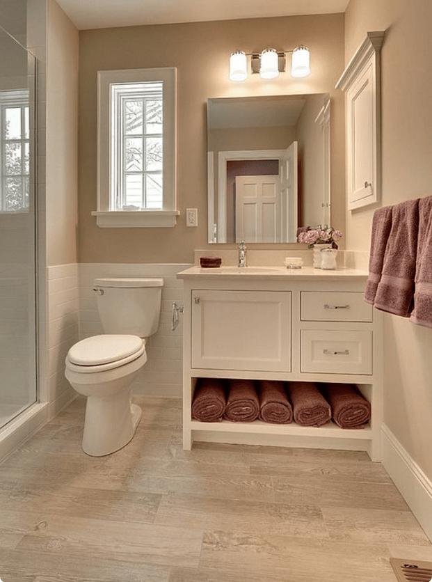 Nello stile country chic il rivestimento del bagno deve essere effetto legno