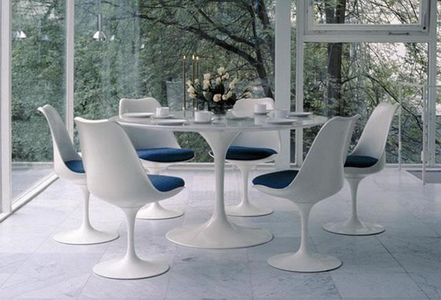 Tavolo e Sedie Tulip di Esedra by Prospettive Design Eero