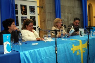 """Imáxenes Arribada 2008: Presentación de """"Kárias"""" y """"20 díes"""" de Cristina Muñiz Martín (19-09-08)"""
