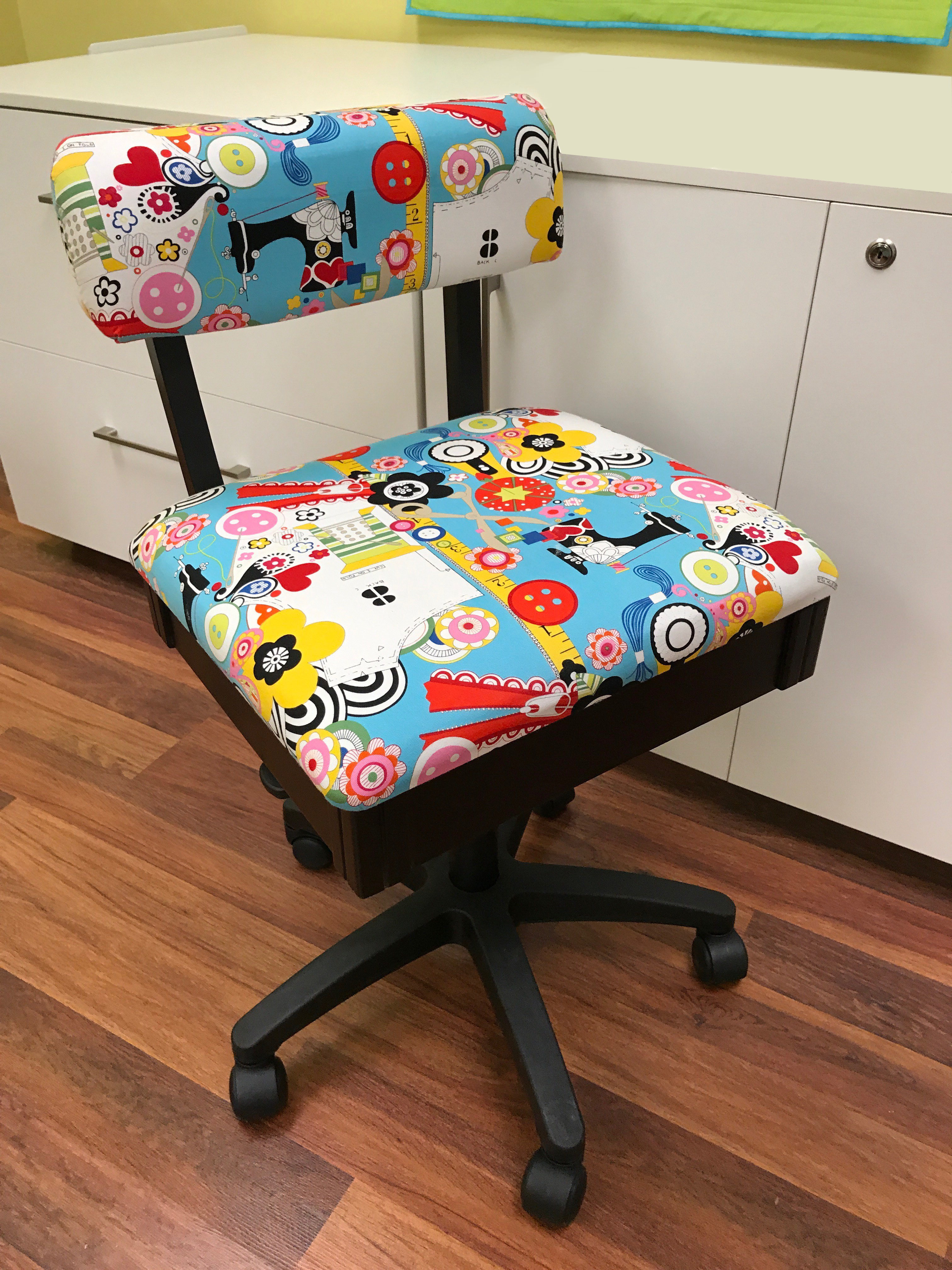 Sewing Chairs Hydraulic Sewing Chair Sew Now Sew Wow Arrow Sewing