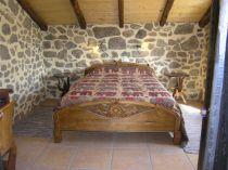 cama de madera de teka