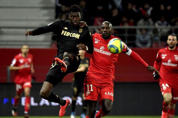 Benoit Badiashile, Badiashile linked to United