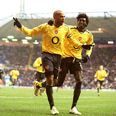 Adebayor can step out from Henry's shadow