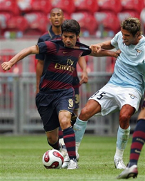 Eduardo scored his first goal for Arsenal against Lazio