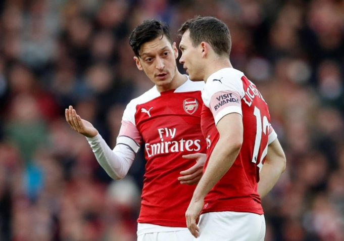 Unai Emery's Vague Reply For Excluding Mesut Ozil In West Ham Loss