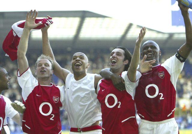 Arsenal Kits 2004-05