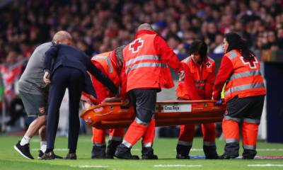 KOSCIELNY BEING STRETCHED OFF