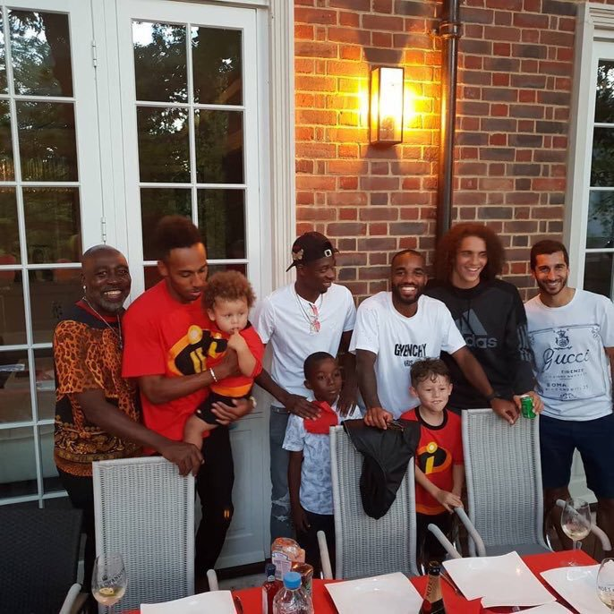 Ousmane Dembele with Arsenal players